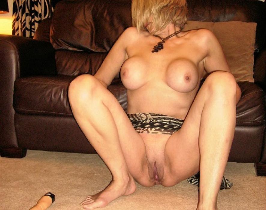 Mature à gros seins kiffe (encore) le sexe