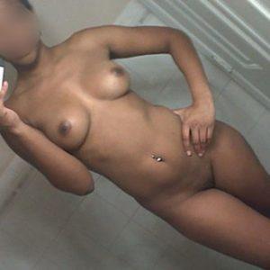 Cherche sexe friend mignon à Nantes (F. black 39ans)