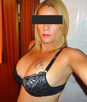 Isabelle, mature, divorcée pour une première rencontre à Dijon par le net