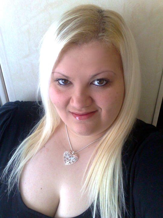Femme forte de 28 ans, sur Narbonne recherche une rencontre sexfriend